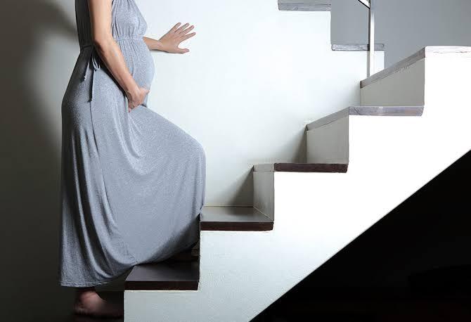 نصائح يجب وضعها في الاعتبار أثناء تسلق السلالم بعد إجراء عملية قيصرية 1
